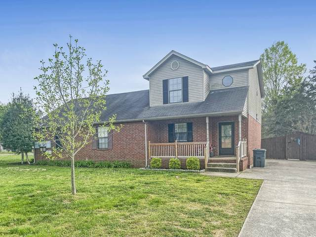 915 Mason Tucker Dr, Smyrna, TN 37167 (MLS #RTC2243198) :: DeSelms Real Estate