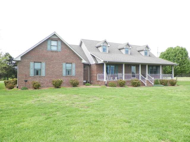 3711 Akersville Rd, Lafayette, TN 37083 (MLS #RTC2243310) :: DeSelms Real Estate