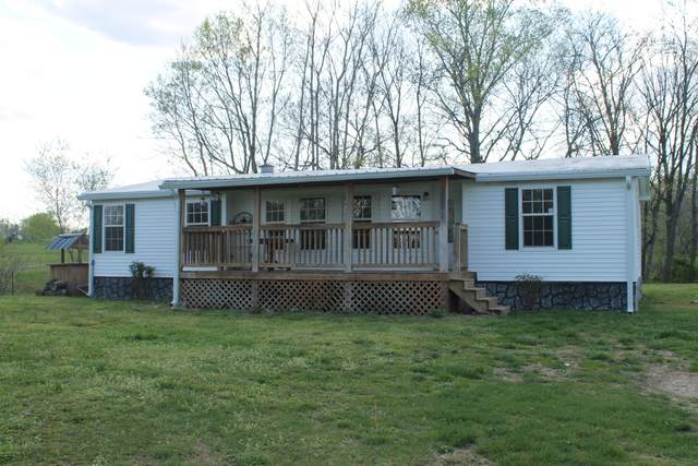 5904 Carthage Rd, Pleasant Shade, TN 37145 (MLS #RTC2243326) :: DeSelms Real Estate