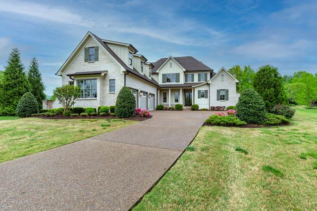 1000 Chapel Lake Cir, Franklin, TN 37069 (MLS #RTC2246002) :: Christian Black Team