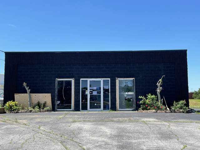 2057 Wilma Rudolph Blvd, Clarksville, TN 37040 (MLS #RTC2250074) :: The Milam Group at Fridrich & Clark Realty