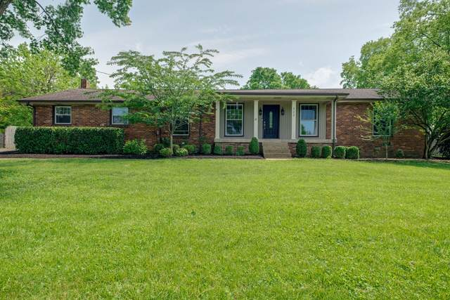 111 Pin Oak Dr, Hendersonville, TN 37075 (MLS #RTC2251062) :: Nashville Home Guru