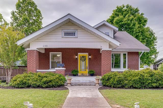402 Center Ave, Dickson, TN 37055 (MLS #RTC2252126) :: The Adams Group