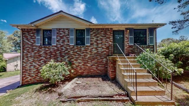 1700 Walnut Ave, Lawrenceburg, TN 38464 (MLS #RTC2256126) :: Ashley Claire Real Estate - Benchmark Realty