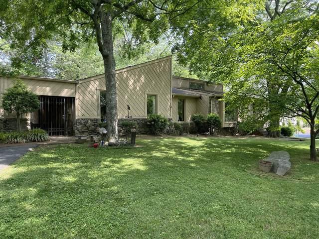 215 Bluegrass Dr, Hendersonville, TN 37075 (MLS #RTC2257526) :: DeSelms Real Estate