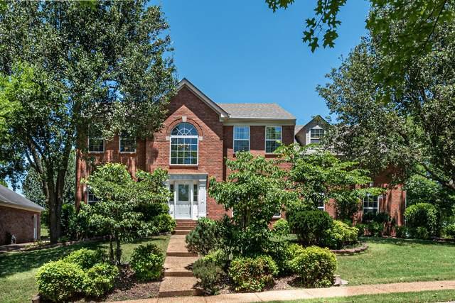 247 Spy Glass Way, Hendersonville, TN 37075 (MLS #RTC2261985) :: Village Real Estate