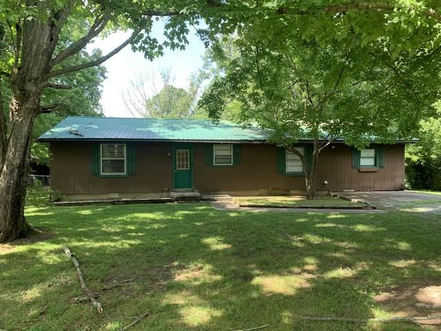 1205 Johnson St, Burns, TN 37029 (MLS #RTC2262273) :: The Godfrey Group, LLC