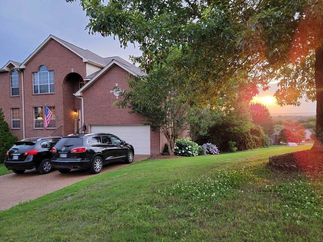 1008 S Clubhouse Ct, Franklin, TN 37067 (MLS #RTC2262329) :: Village Real Estate