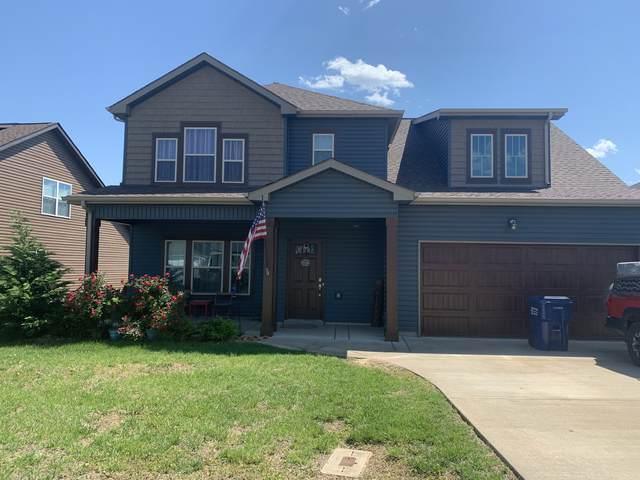 1156 Eagles Bluff Dr, Clarksville, TN 37040 (MLS #RTC2263508) :: Village Real Estate