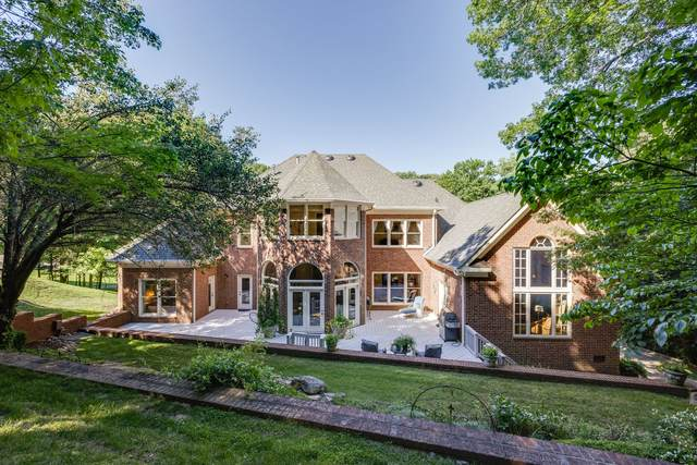 558 Grand Oaks Dr, Brentwood, TN 37027 (MLS #RTC2263744) :: Michelle Strong