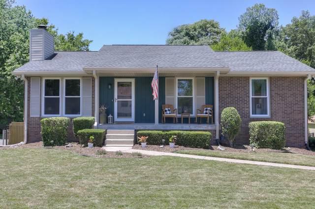 812 Ember Lake Dr, Nashville, TN 37214 (MLS #RTC2264978) :: Oak Street Group
