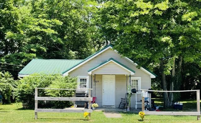 205 Oak St, Portland, TN 37148 (MLS #RTC2265282) :: John Jones Real Estate LLC