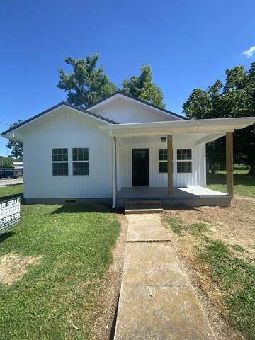 101 Joe St, Waverly, TN 37185 (MLS #RTC2265480) :: DeSelms Real Estate