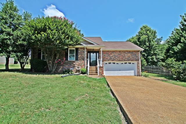 2012 Watts Dr, Greenbrier, TN 37073 (MLS #RTC2267501) :: Real Estate Works