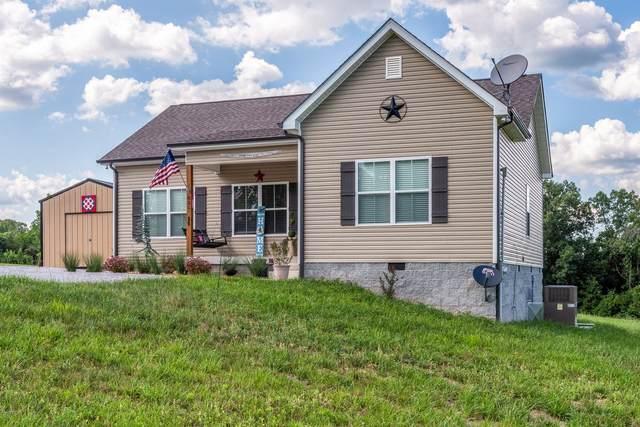 831 Hooper Rd, Charlotte, TN 37036 (MLS #RTC2268243) :: Trevor W. Mitchell Real Estate