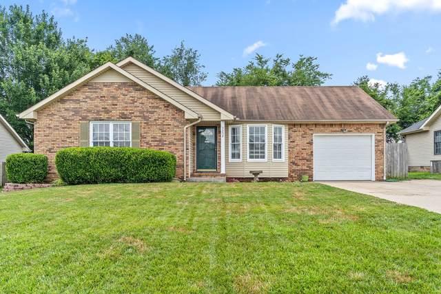 3252 S Senseney Cir, Clarksville, TN 37042 (MLS #RTC2271220) :: DeSelms Real Estate