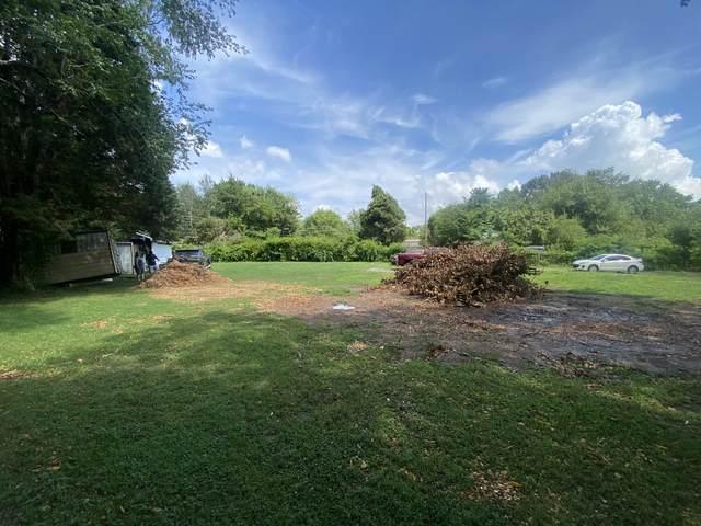 711 Eva Dr, Clarksville, TN 37042 (MLS #RTC2272708) :: The Huffaker Group of Keller Williams