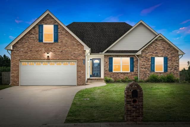 684 Fallbrook Ln, Clarksville, TN 37040 (MLS #RTC2272881) :: DeSelms Real Estate