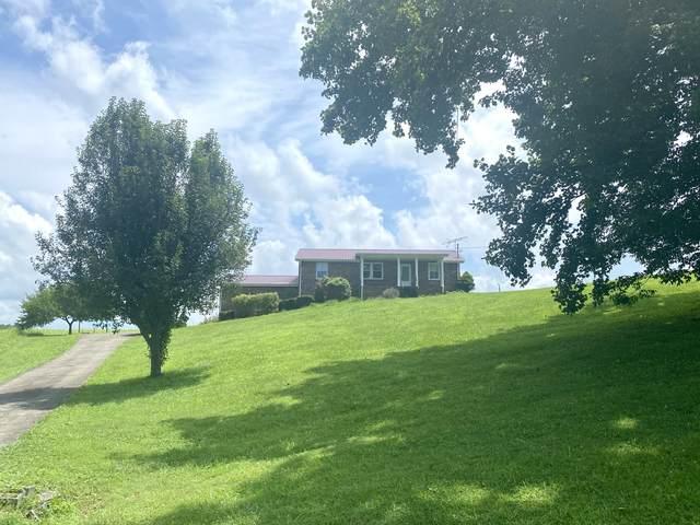6070 Woods Valley Rd, Cumberland Furnace, TN 37051 (MLS #RTC2274224) :: Oak Street Group