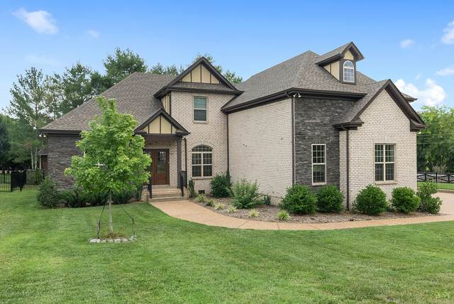 2006 Eagle View Rd, Hendersonville, TN 37075 (MLS #RTC2274302) :: Nashville on the Move