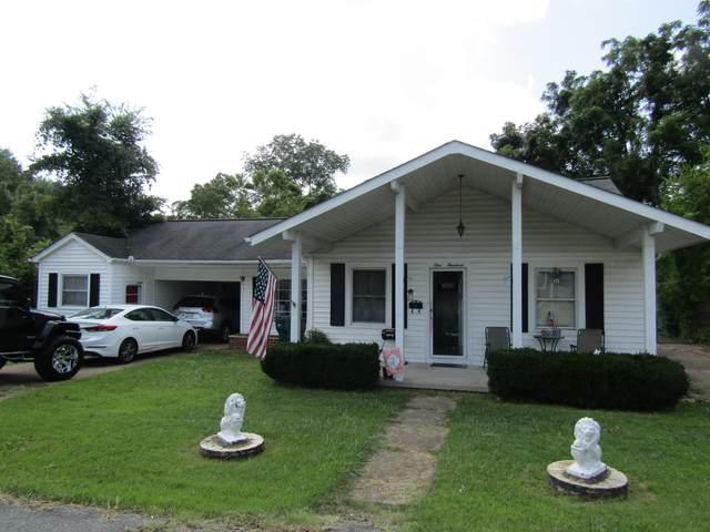 100 Simpson Ave, Waverly, TN 37185 (MLS #RTC2275859) :: FYKES Realty Group
