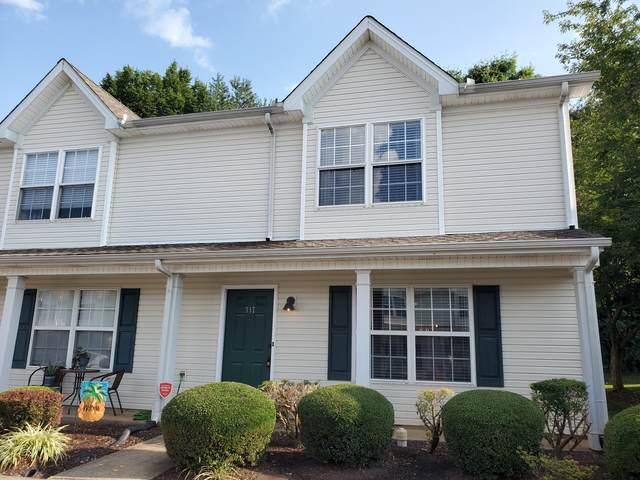 317 Shoshone Pl, Murfreesboro, TN 37128 (MLS #RTC2280910) :: RE/MAX Homes and Estates, Lipman Group