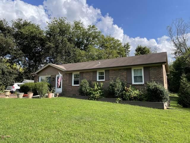 860 Pollard Rd, Clarksville, TN 37042 (MLS #RTC2290760) :: FYKES Realty Group
