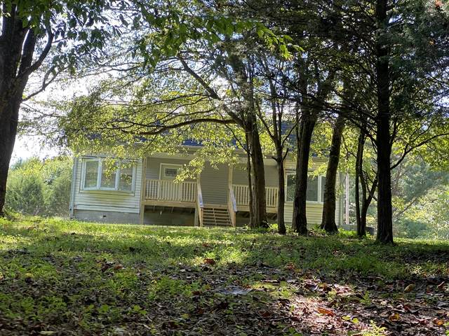 6116 King Robert Ln, Westmoreland, TN 37186 (MLS #RTC2292203) :: Ashley Claire Real Estate - Benchmark Realty