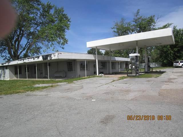 3315 Waynesboro Hwy, Lawrenceburg, TN 38464 (MLS #RTC2292729) :: FYKES Realty Group