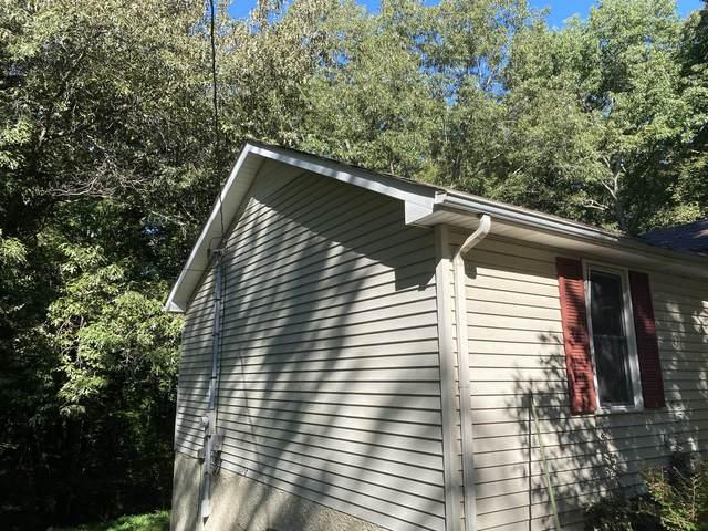 2272 Ferry Rd, Clarksville, TN 37040 (MLS #RTC2293549) :: The Huffaker Group of Keller Williams