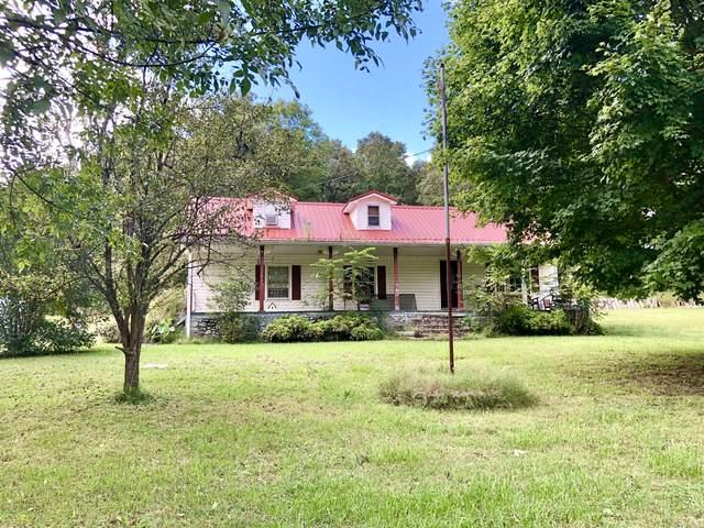 615 Wilson Hollow Rd, Dickson, TN 37055 (MLS #RTC2293845) :: Christian Black Team