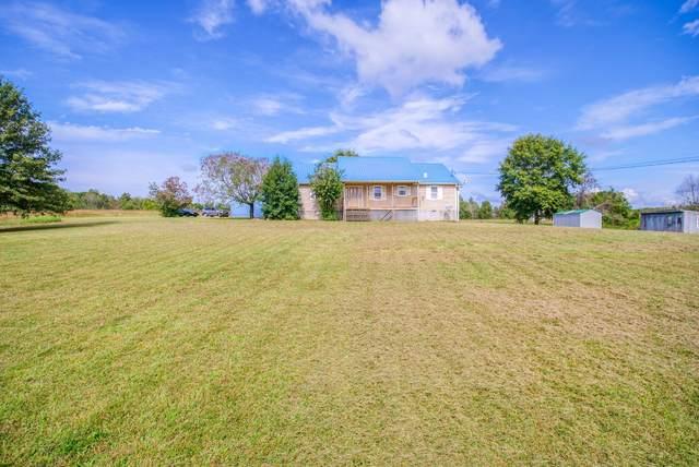 881 Coaling Rd, Charlotte, TN 37036 (MLS #RTC2298363) :: Village Real Estate