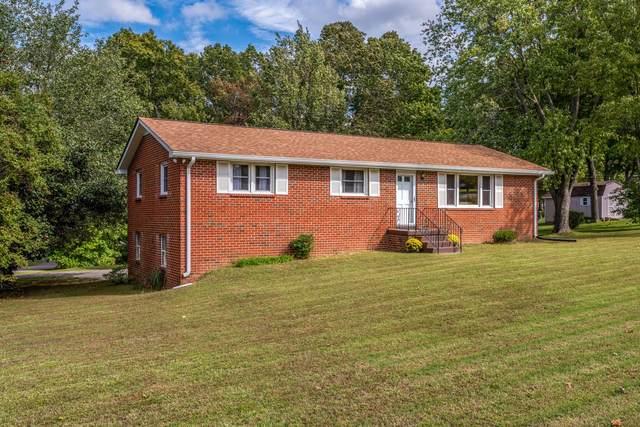 301 E Overhill Dr, Dickson, TN 37055 (MLS #RTC2300266) :: Village Real Estate