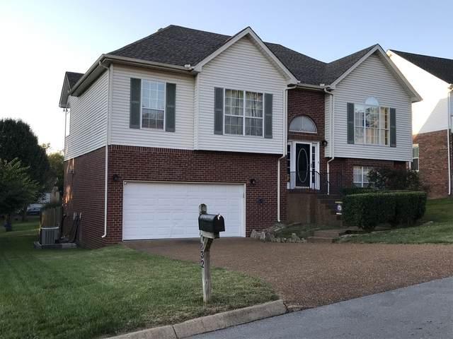 832 W Benjamin Ct, Franklin, TN 37067 (MLS #RTC2300837) :: Fridrich & Clark Realty, LLC