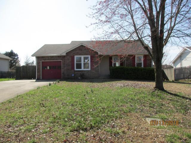 834 Iris Ln, Clarksville, TN 37042 (MLS #1912134) :: RE/MAX Choice Properties