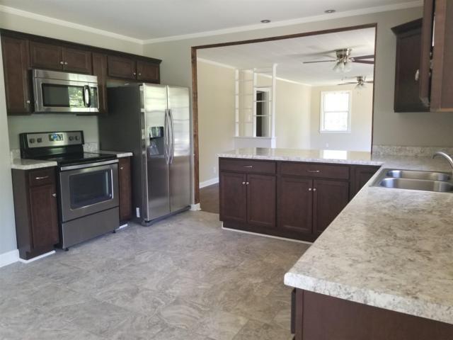 126 Hickory Grove Blvd, Clarksville, TN 37040 (MLS #1948222) :: John Jones Real Estate LLC