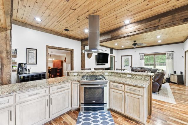 1350 Salem Rd, Clarksville, TN 37040 (MLS #RTC2053397) :: Village Real Estate