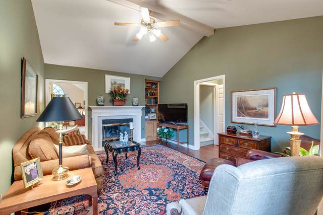 6035 Sunrise Cir, Franklin, TN 37067 (MLS #RTC2055305) :: Cory Real Estate Services