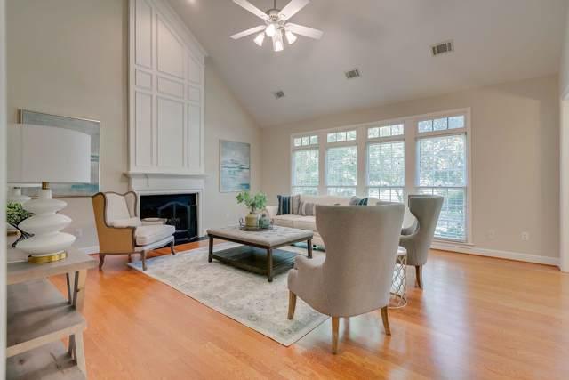 424 Crofton Park Ln, Franklin, TN 37069 (MLS #RTC2067932) :: Village Real Estate