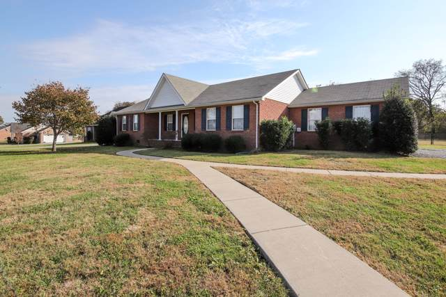 1062 Pinnacle Way, Castalian Springs, TN 37031 (MLS #RTC2096629) :: Village Real Estate