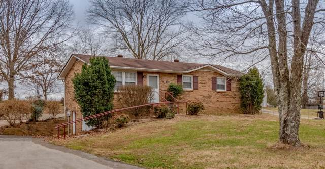 4364 Dover Rd, Woodlawn, TN 37191 (MLS #RTC2104537) :: DeSelms Real Estate