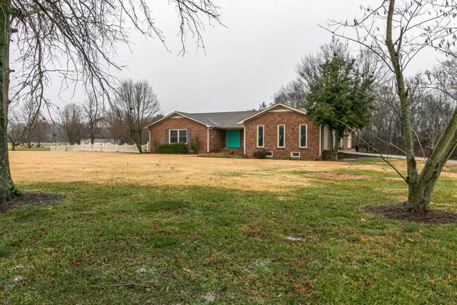 1345 Shallow Lake Cir, Hopkinsville, KY 42240 (MLS #RTC2110344) :: The Group Campbell powered by Five Doors Network