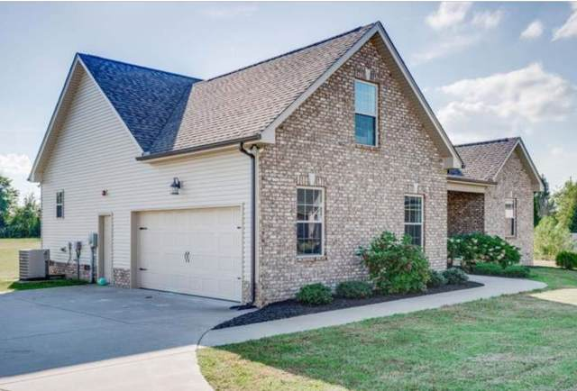 1725 Leaf Ln, Ashland City, TN 37015 (MLS #RTC2116936) :: Village Real Estate