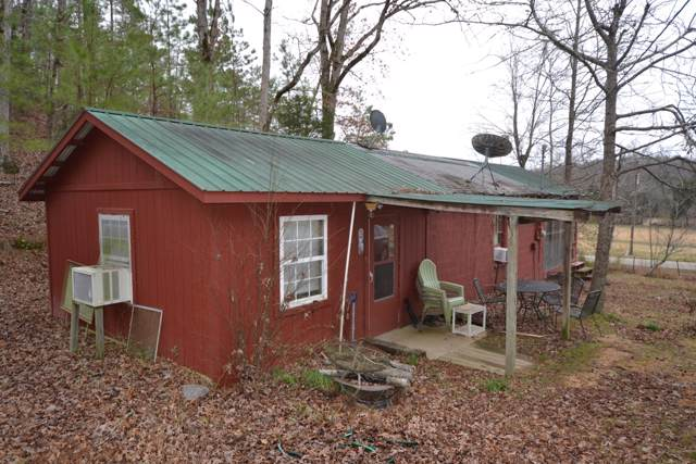 6890 Roan Creek Rd, Lobelville, TN 37097 (MLS #RTC2117592) :: Village Real Estate