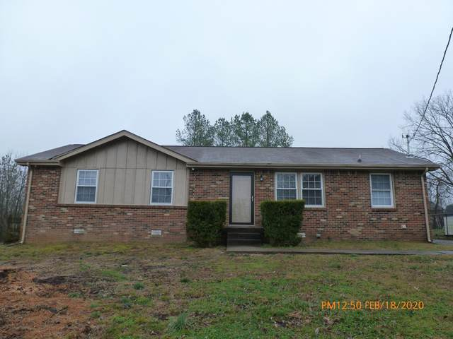 1329 Courtney Dr, Clarksville, TN 37042 (MLS #RTC2123826) :: HALO Realty