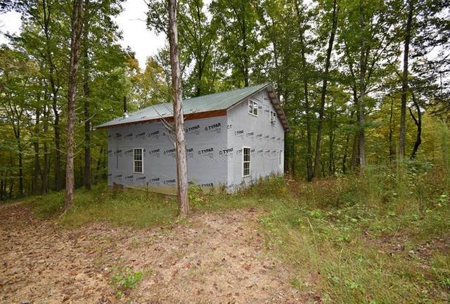 3571 Lick Creek Rd, Linden, TN 37096 (MLS #RTC2197973) :: FYKES Realty Group