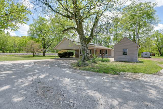 8404 Old Highway 43, Mount Pleasant, TN 38474 (MLS #RTC2247538) :: Village Real Estate