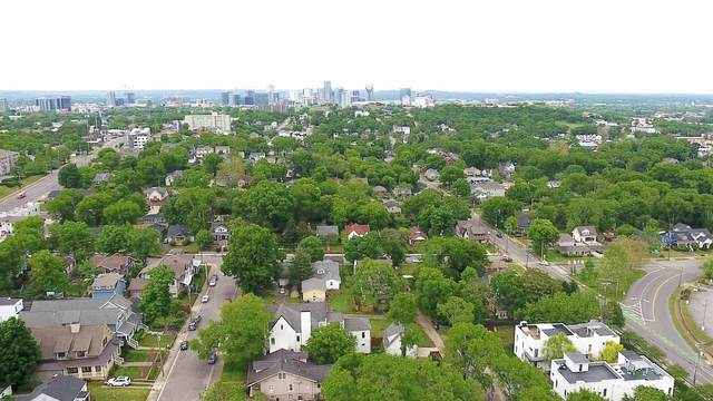 1011B S Douglas Ave, Nashville, TN 37204 (MLS #RTC2248734) :: FYKES Realty Group