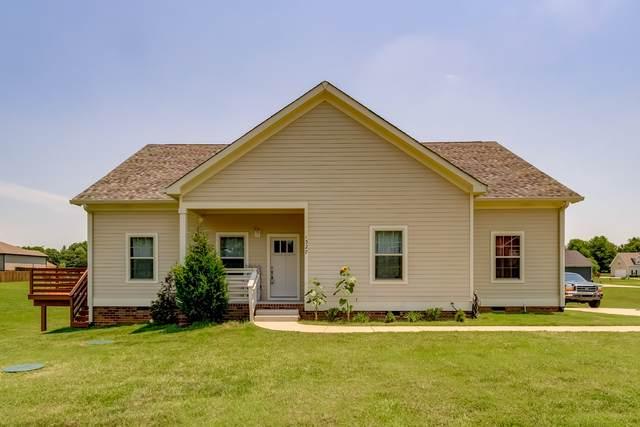 1327 Everwood Dr, Ashland City, TN 37015 (MLS #RTC2262894) :: Christian Black Team