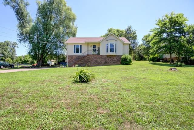 993 Merritt Lewis Ln, Clarksville, TN 37042 (MLS #RTC2263429) :: Cory Real Estate Services